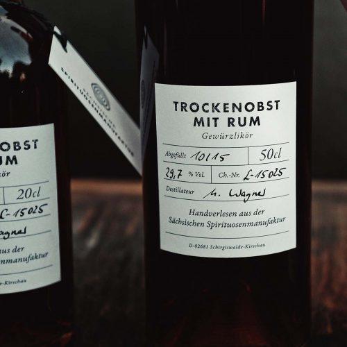Trockenobst mit Rum – Gewürzlikör Detail