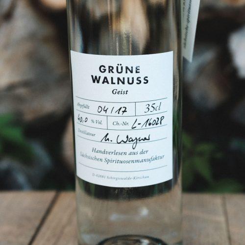 Für unseren Grüne Walnuss - Geist verarbeiten wir die noch unreifen und grünen Walnüsse.